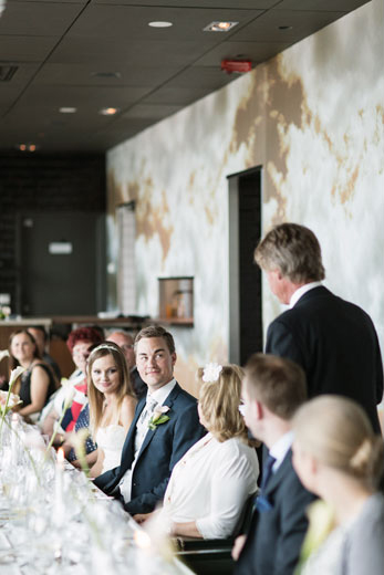 Bröllopsfotografering på Högberga Gård - Bröllopsfotograf Lena Larsson