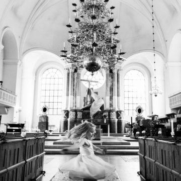dans-i-altargangen