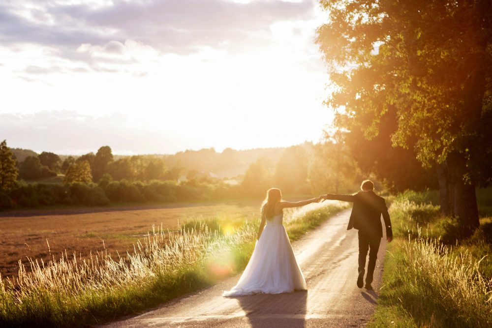 evening light at swedish wedding