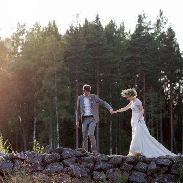 bride-and-groom-in-rural-sweden