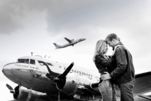 top-gun-inspired-couples-shoot