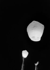 chinese-lanterns-at-wedding