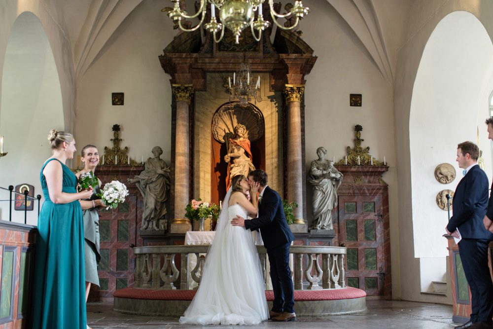 first kiss in ludgo kirk sweden