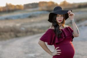 gravid kvinna i hostljus