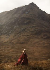 dreamlike maternity shoot in Scotland